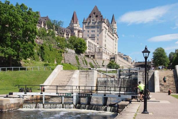 A Casual Stroll - The Architects' Tour of Ottawa, Canada