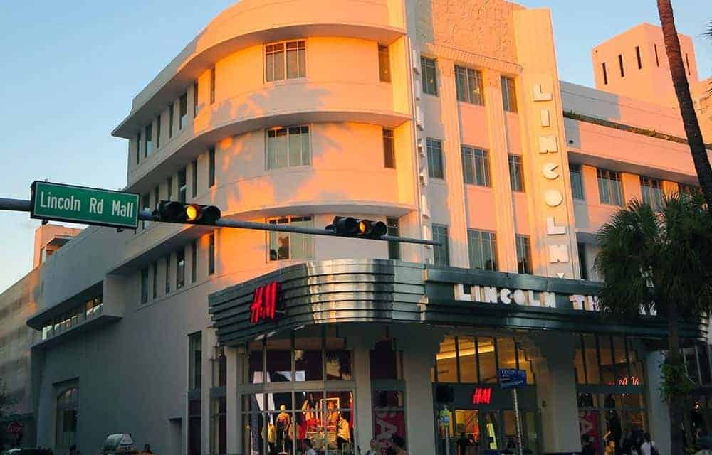 Mojitos, Architecture and Art at the Lincoln Road Mall in Miami