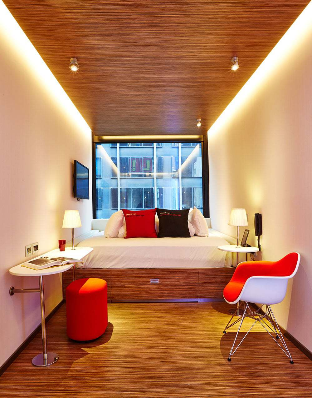citizenM new york city guest room