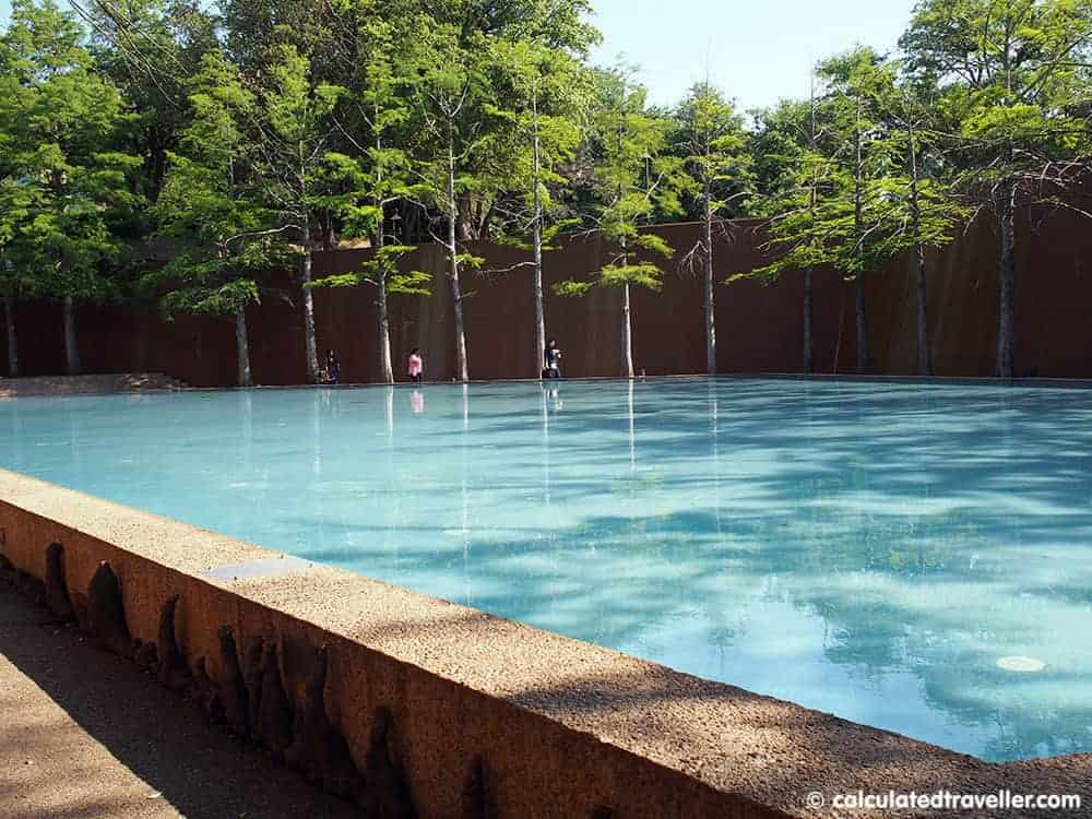 Fort Worth Water Gardens, Fort Worth Texas - Quiet Pool