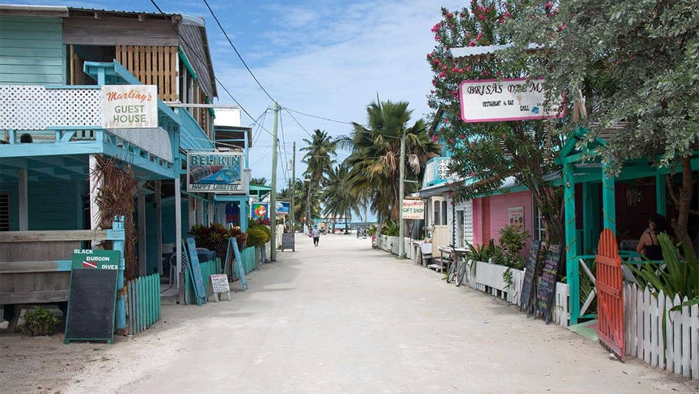 Where to Eat in Caye Caulker Belize: A Restaurant Guide