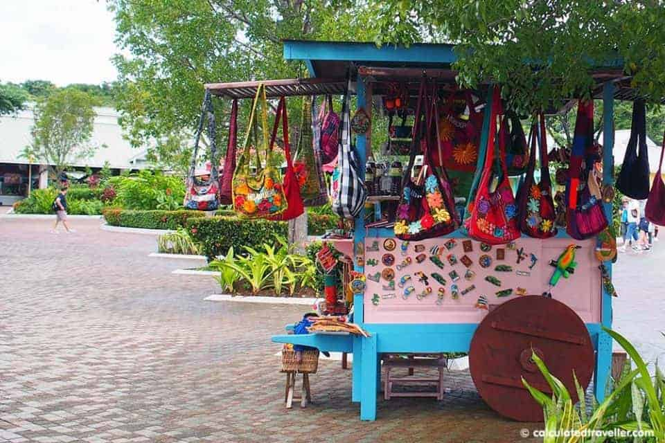 A Cruise Guide to Mahogany Bay Roatan Honduras - Crafts