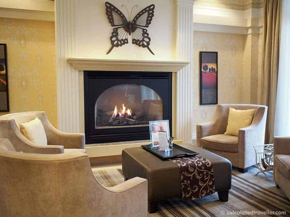 A Mid-Week ME-Time Escape at Hockley Valley Resort and Spa - Whisper Lounge