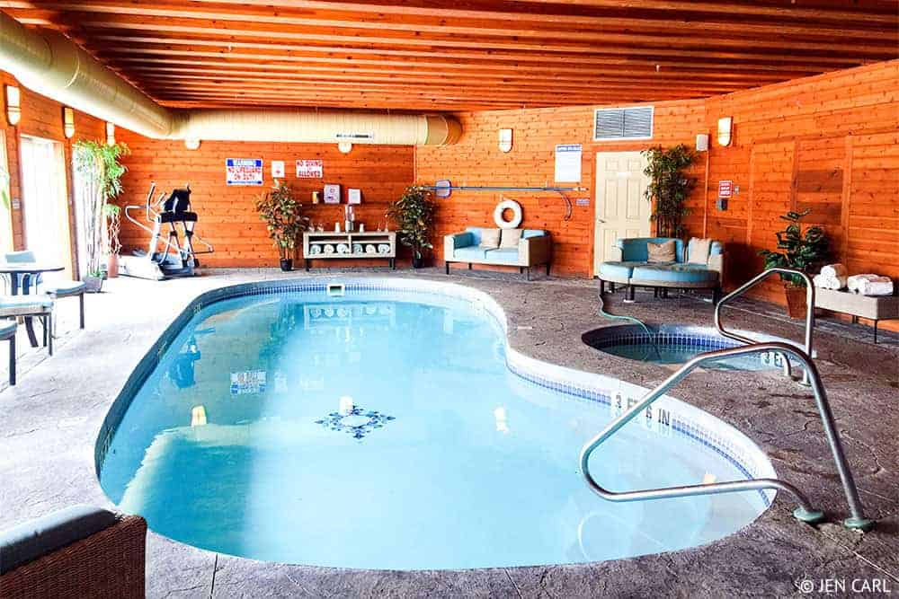 The French Manor Inn and Spa - A Couples Getaway in the Heart of the Poconos - Pool