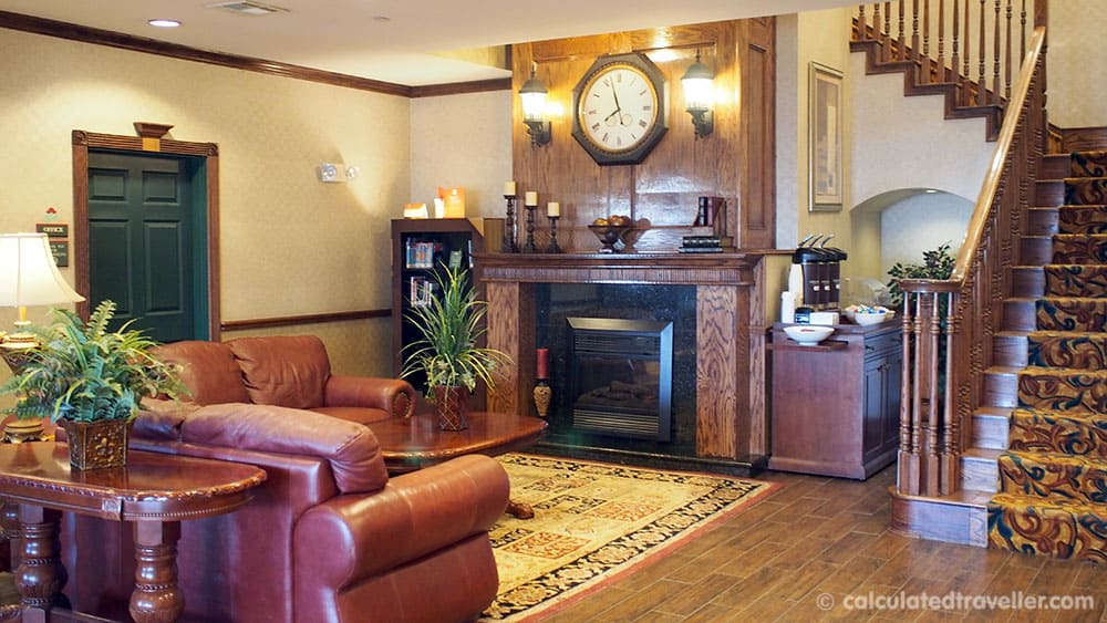 Texan Charm at The Country Inn and Suites by Radisson Amarillo Texas - Lobby