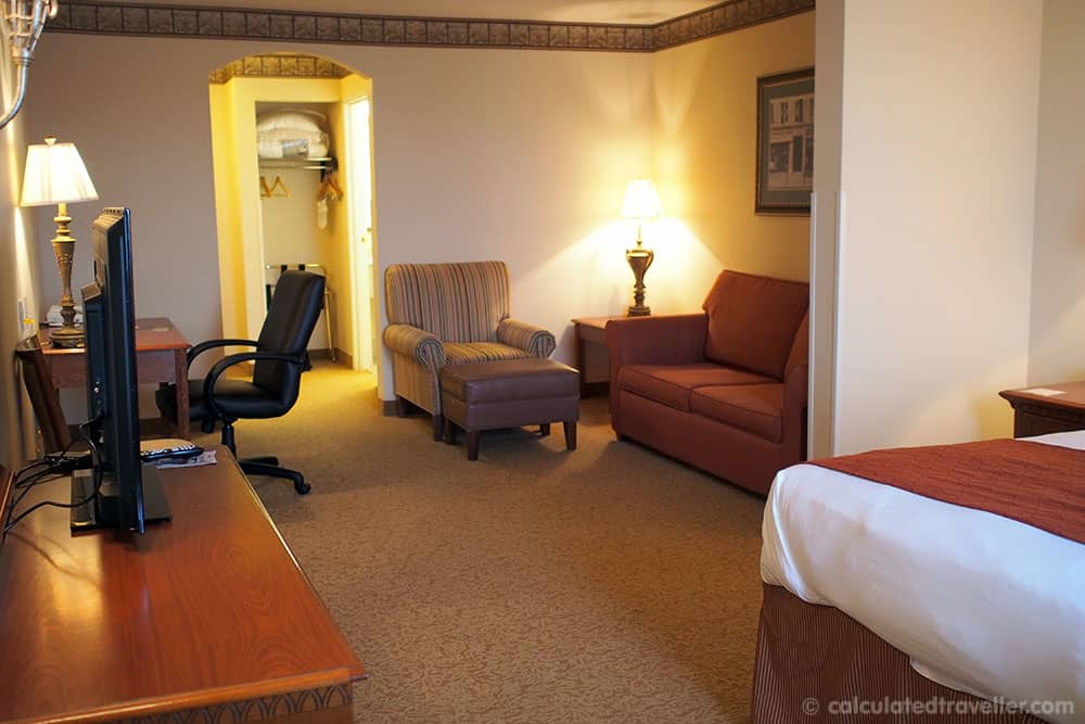 Texan Charm at The Country Inn and Suites by Radisson Amarillo Texas - Room