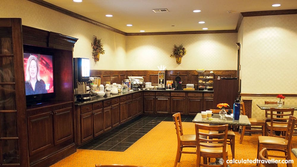 Texan Charm at The Country Inn and Suites by Radisson Amarillo Texas - Breakfast area