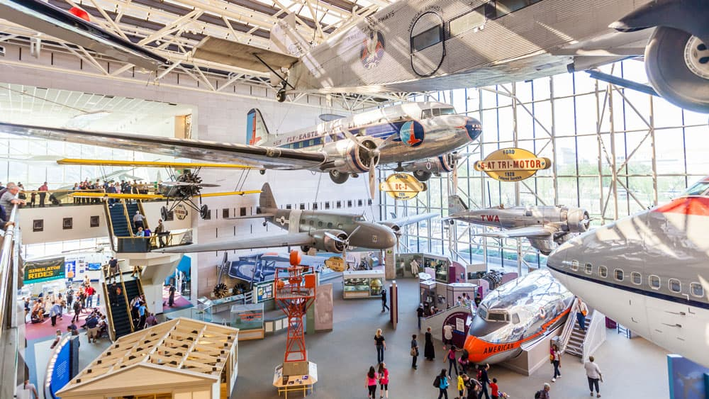 Aviation Museums Around the World - Smithsonian Air and Space Museum