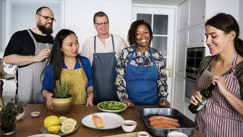 9 Tips for Simply Uncomplicated Solo Travel - Cooking Class