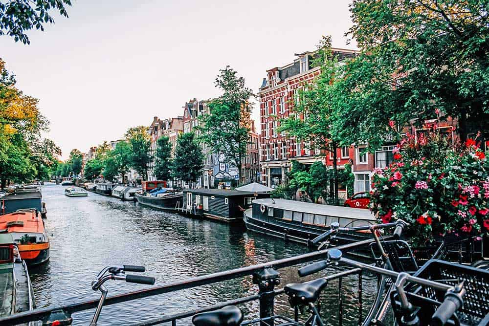 5 Best European Adventures for History Buffs. Amsterdam's Canals