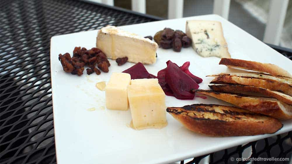 Farmers Creekside Tavern and Inn Le Roy New York - Cheese Plate