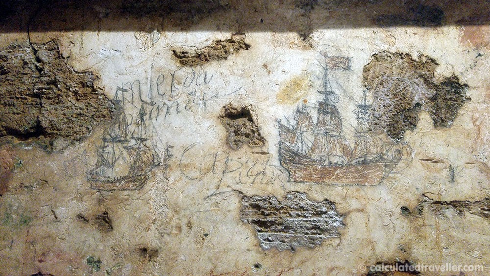 Is this historic graffiti found at the end of the tunnel in Fort Castillo de San Cristobal?