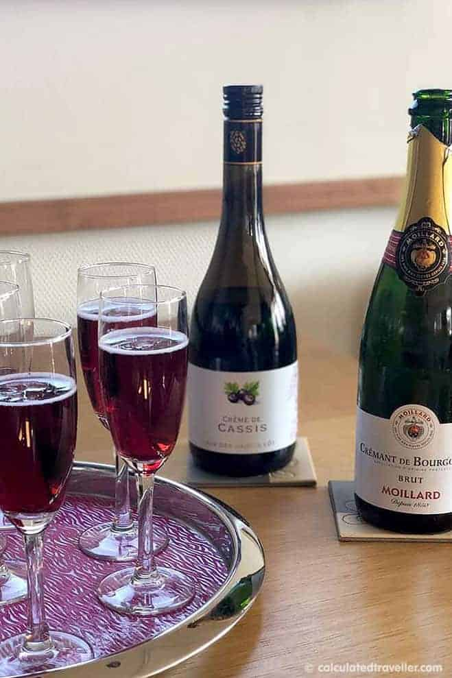 Savoir Vivre Barge Cruise – Welcome drink of Crème de Cassis and Champagne