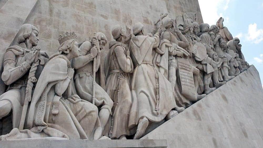 Padrao dos Descobrimentos statue