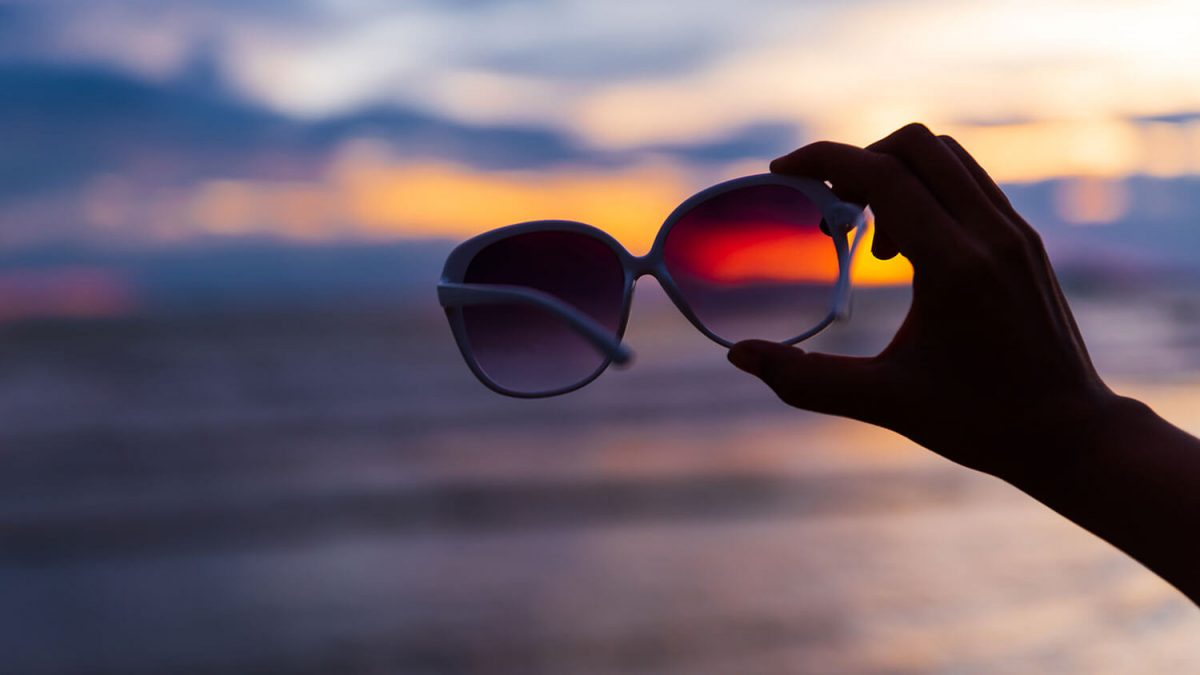 guide to pick perfect sunglasses - sunglasses at sunset